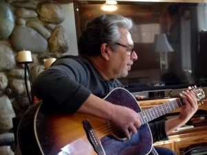 Live Music with Richard John @ Glasses Wine Bar